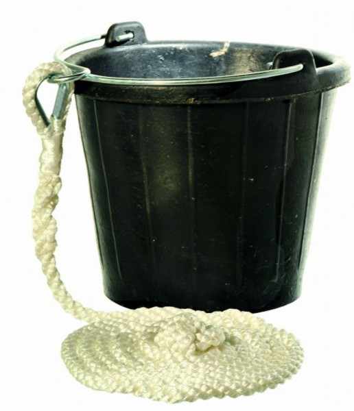 Rubber Bucket with Rope 8 Litres